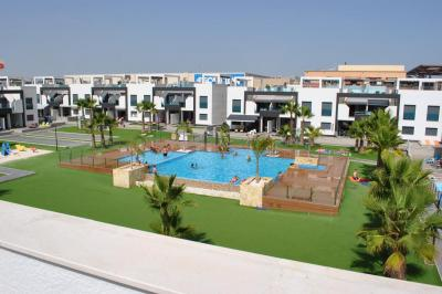 Top floor apartment in Oasis Beach La Zenia 4 Nº 128 on España Casas