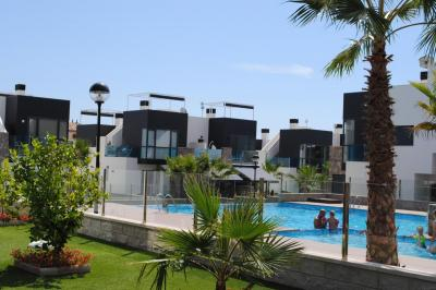 Top floor apartment in Oasis Hill Campoamor 1 Nº 016 on España Casas