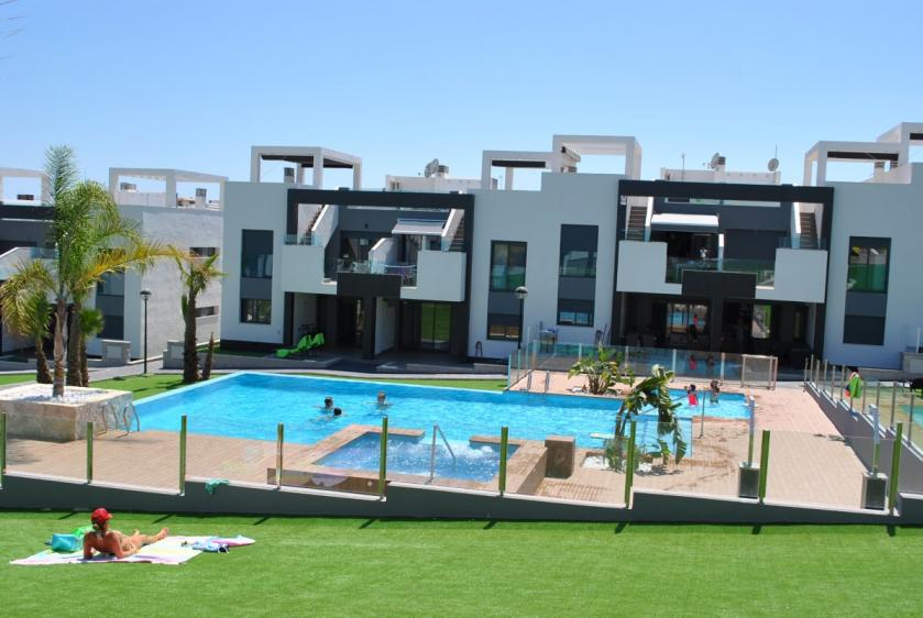 Ground floor apartment in Oasis Beach Punta Prima 8 Nº 039 in España Casas
